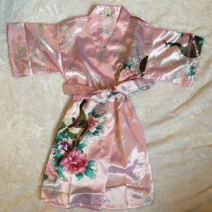 Pink Satin Robe w Floral & Peacock Design Size 2